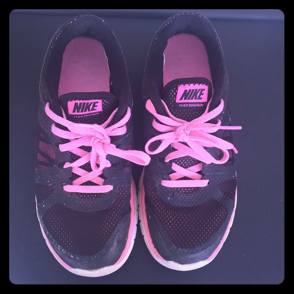 Nike Boy's Flex Run 2015 Running Shoe (3.5y 7y)
